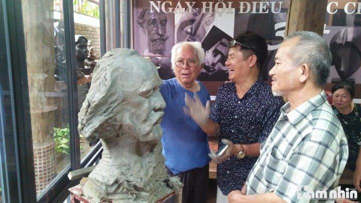Những nghệ nhân với câu chuyện điêu khắc